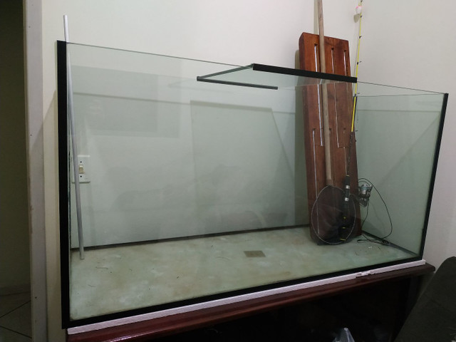Aquário 490 litros com móvel
