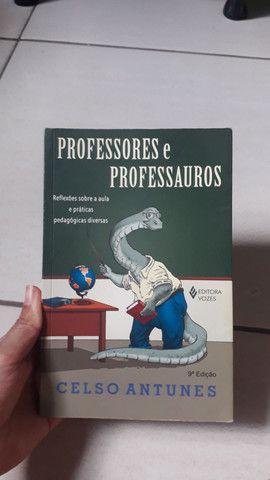Livros destinado a estudantes de licenciaturas