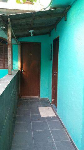 Alugo casa no alto da serra de 1 quarto, sala cozinha, banheiro e área