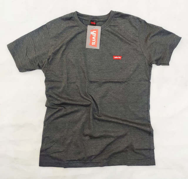 Camisetas no atacado e no varejo