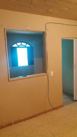 Alugo casa no alto da serra de 1 quarto, sala cozinha, banheiro e área - Foto 2