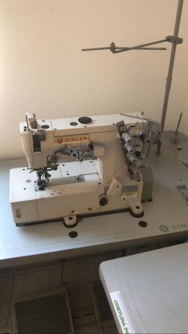 Máquina de Costura profissional - Galoneira Singer  super nova