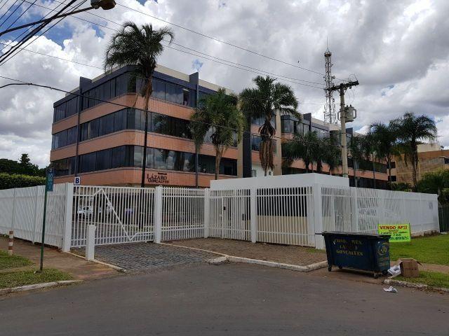 Aluga-se Apartamento Reformado e Decorado de 2 quartos no Guará com garagem