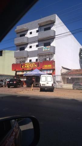 Vendo prédio com loja e Apto