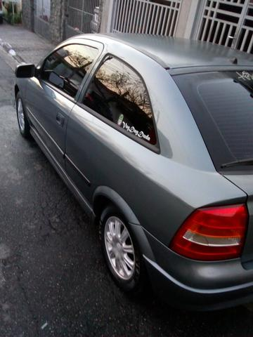 Astra Hatch 1.8 Completo
