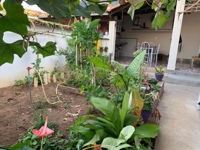 DA ótima casa em Itaúna com barracão nos fundos - Foto 16
