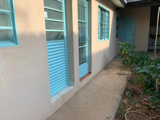 DA ótima casa em Itaúna com barracão nos fundos - Foto 20