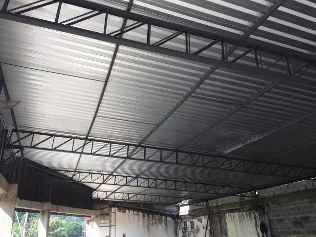 Cobertura Telha Sanduíche Estrutura Metálica - Foto 5