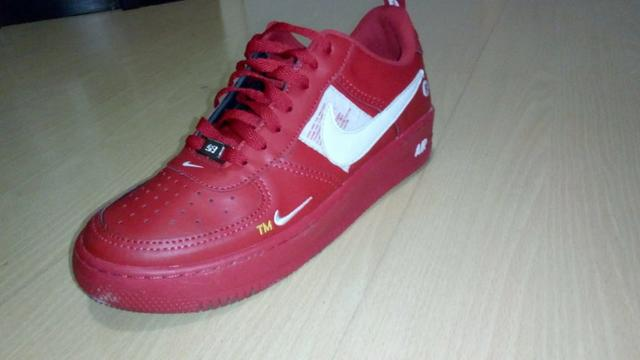 Tênis Nike Air Force 1 Low Utility University Red
