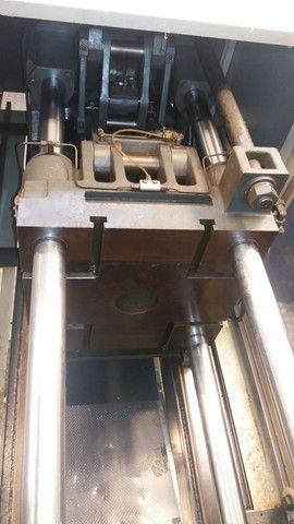 Vendo uma máquina injetora de plástico SEMERARO GIUSTA 260/65 - Foto 4