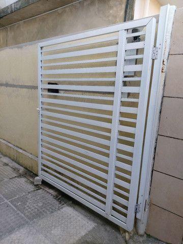 Vendo 2 portões de alumínio  - Foto 3