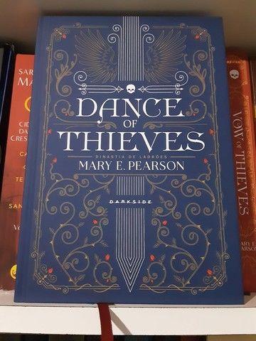 Livro Dance of Thieves