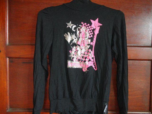 Casaco preto estampa rosa nas costas feminino - Foto 2