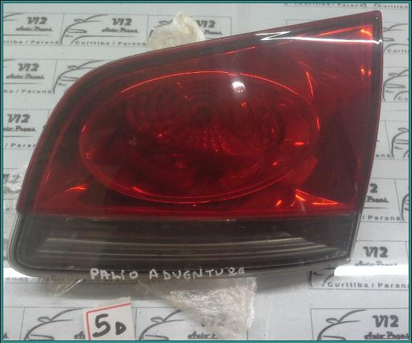 Lanterna da tampa traseira Fiat Palio Weekend LD. Direito