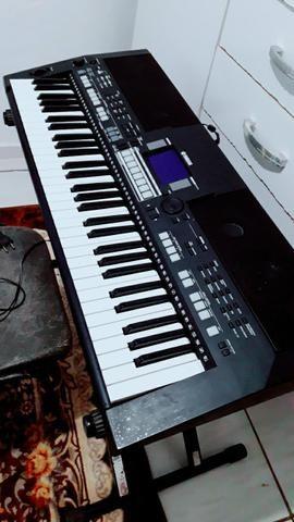 Yamaha psr550b