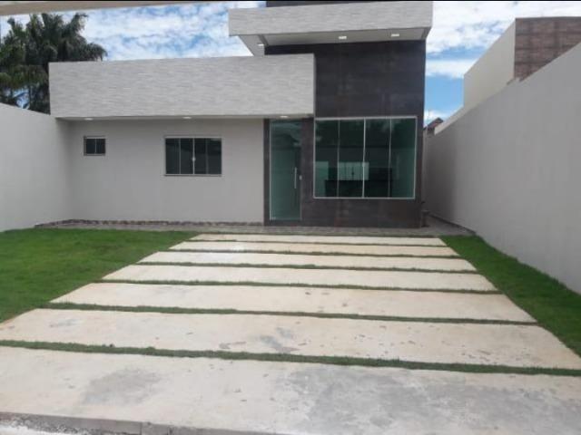 Vendo excelente casa dentro de Condomínio, aceito carro! aceito permuta de menor valor!