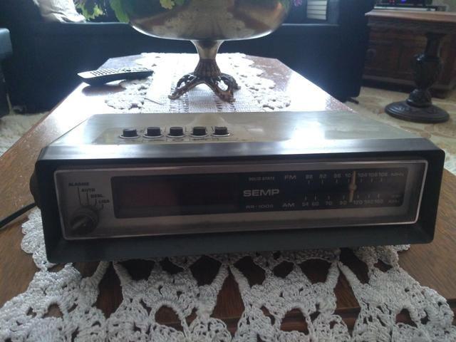 Rádio antigo dispertador