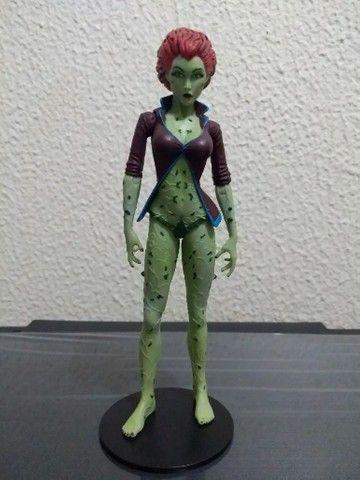 Poison Ivy - Batman Arkham Asylum - Dc Universe