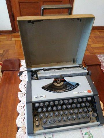 Máquina de escrever maleta, marca Ollivetti, modelo Tropical - Foto 2