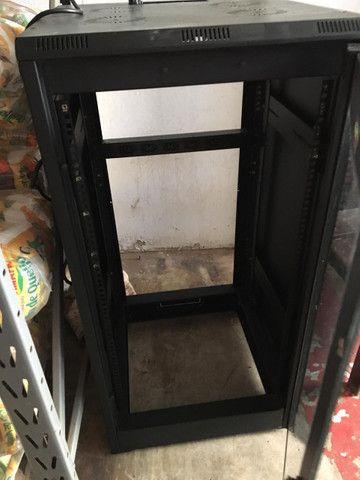 Vendo esse Rack para servidor ou nobreak