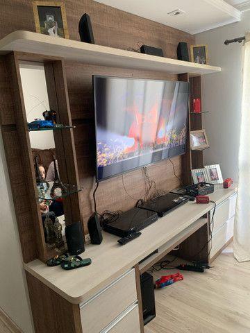 Painel rack de televisão com 4 gavetas - Foto 2