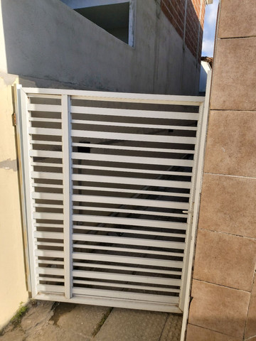 Vendo 2 portões de alumínio  - Foto 6