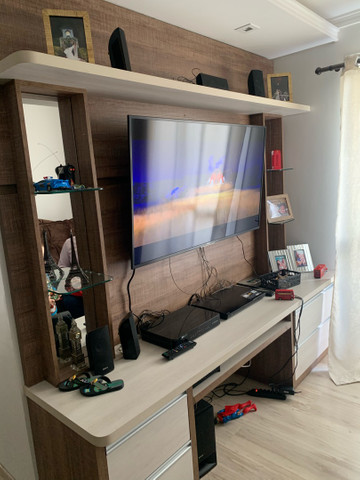 Painel rack de televisão com 4 gavetas - Foto 3
