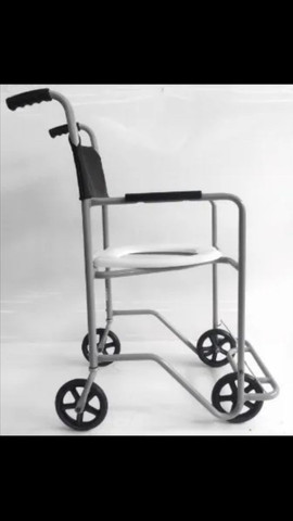 Cadeira de rodas para banho - Foto 2
