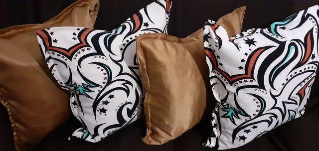 Kit de 05 almofadas decorativas completas capa e enchimento individual com zíper  - Foto 3