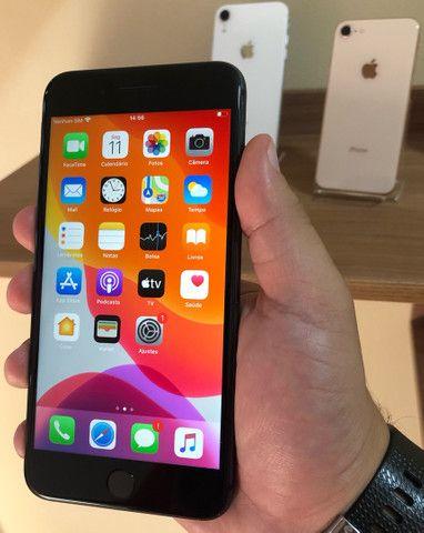 iPhone 8 Plus 64GB Cinza Spacial