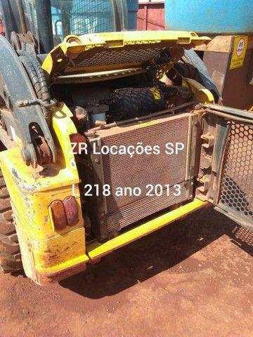 Minicarregadeira L218 ano 2013 - Foto 3