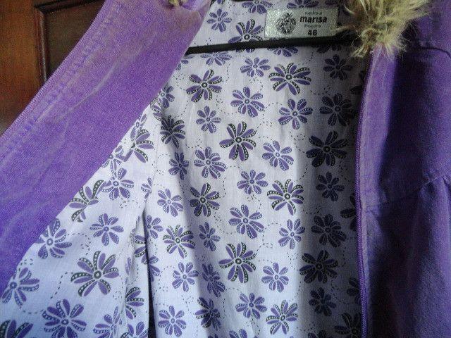 Casaco feminino com capuz cor uva - Foto 4