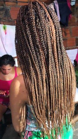 Tranças box braids e nagô