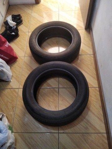 Par pneus Bridgestone sem nenhum remendo. Medida 205/55R16 Troco por rádio automotivo - Foto 2