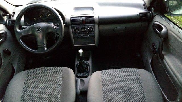 Chevrolet clássic (direção ar) - Foto 9
