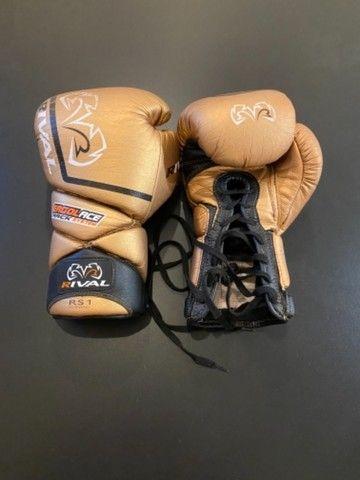 Luva de boxe/ Muay Thai Rival - Foto 3