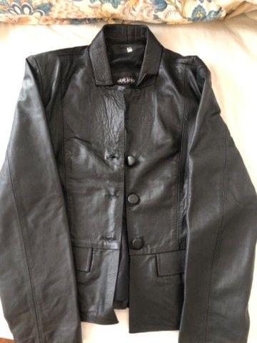 Jaqueta de couro feminina mercado