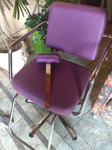 Cadeiras hidráulicas salão - Foto 4