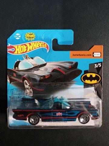 Vendo HotWheels Batman clássico
