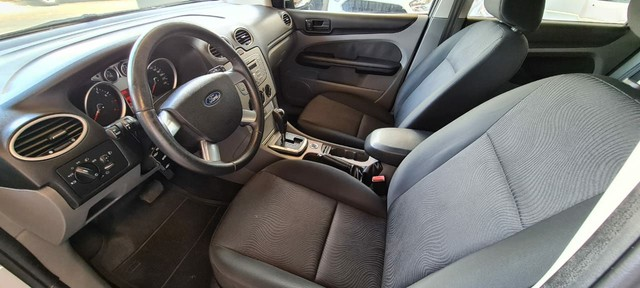Ford Focus 2.0 Automático vendo Troco e Financio R$38 .900,00 - Foto 7