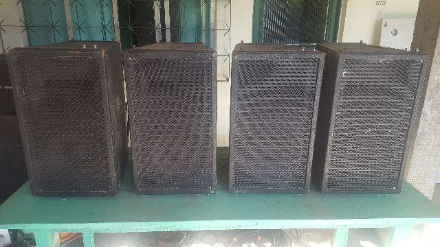 4 caixas Line array 1x12