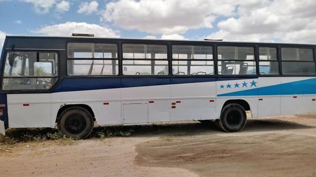 Venda ou troca se ônibus caio 4 pneus novos 2 baterias motor 366 turbo servo de embreagem