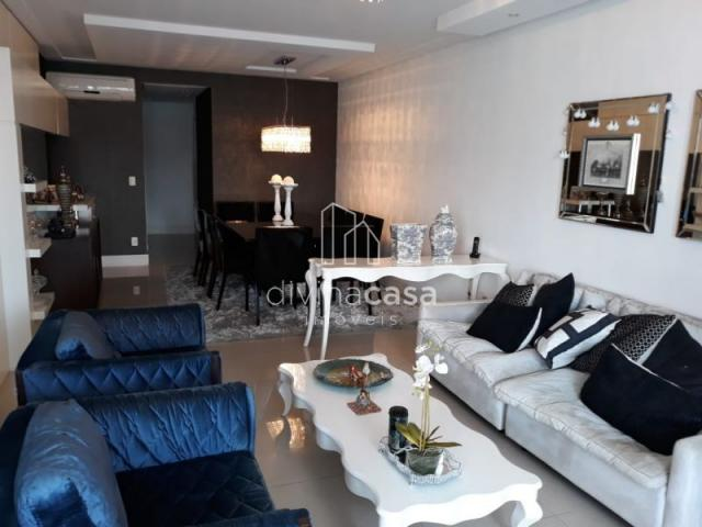 Lindo apartamento semi mobiliado, suite master mais duas suítes, em ótima localização! - Foto 12