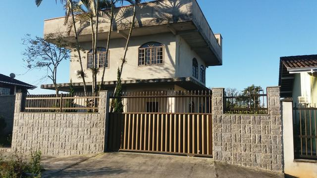 Sobrado c/ 04 quartos, terreno amplo, apenas R$289 mil- barbada !