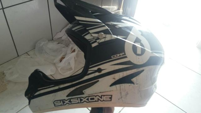 Capacete downhill sixsixone (661)