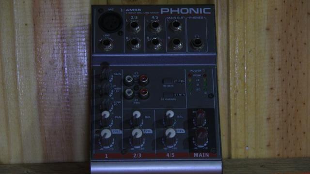 Mesa Do Som Phonic Am55 Com Fonte - Foto 3