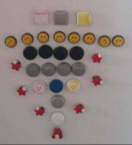 Um Kit imãs para painel de fotos ou geladeira - 31 itens