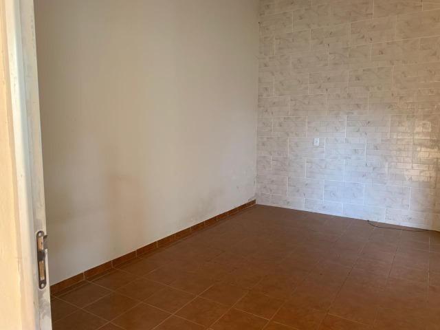 DA ótima casa em Itaúna com barracão nos fundos - Foto 5