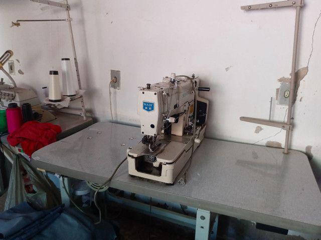 Maquina de costura botoadeira e caseadeira - Foto 2
