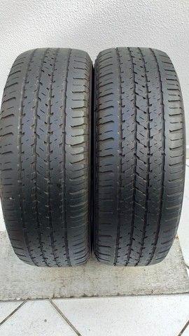 Par de Pneus Bridgestone 215/65 R16